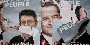 Affichage électoral à Paris, le 23 avril 2017.