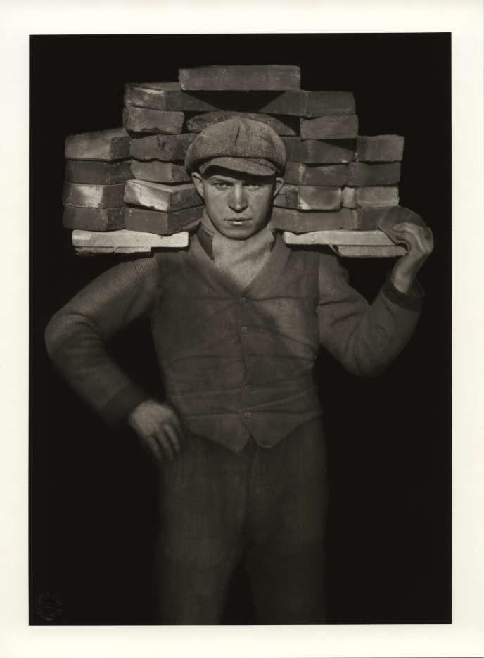 «Manœuvre» (1929), d'August Sander.