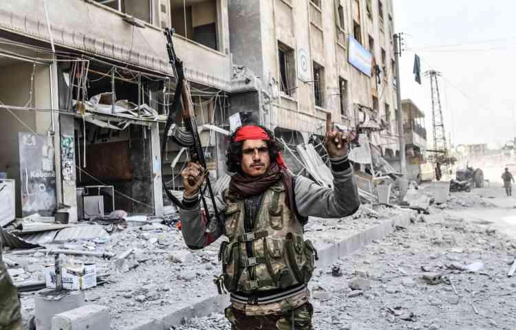 Dimanche matin, l'armée turque et ses supplétifs syriens ont pris le contrôle de la ville.
