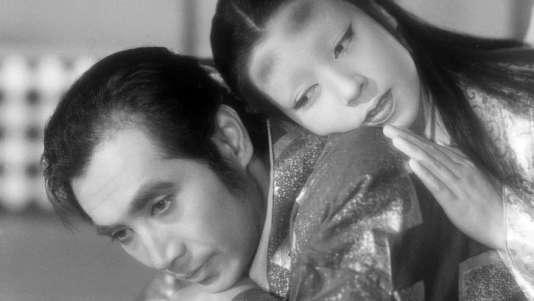 Masayuki Mori et Machiko Kyo dans «Contes de la lune vague après la pluie» (1953), de Kenji Mizoguchi.