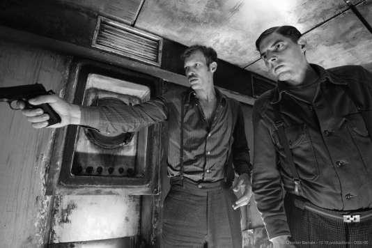 Paul Hamy etDamien Bonnard dans« 9 doigts», de F. J. Ossang.