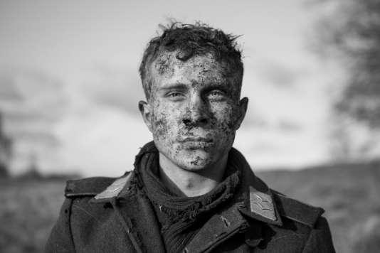 Max Hubacher dans«The Captain, l'Usurpateur» («Der Hauptmann»), deRobert Schwentke.