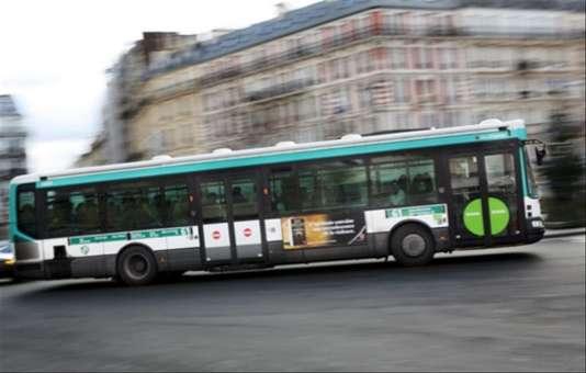 La «question de la gratuité des transports est une des clés de la mobilité urbaine» selon la maire de Paris.