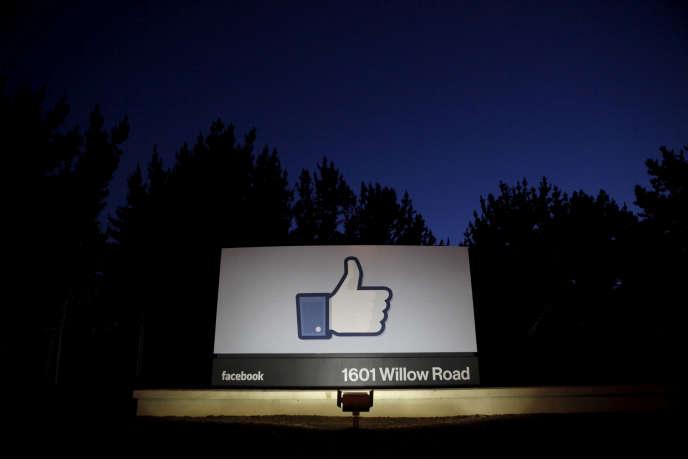 L'entrée du siège de Facebook, à Menlo Park, en Californie.