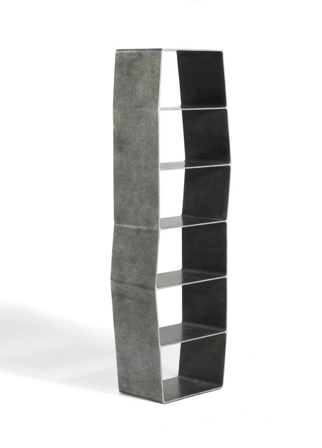 La collection « Cellae » (2013) en feutre et résine, est composée de cellules aux formes souples, juxtaposées ou empilées pour créer des tables, des rangements…