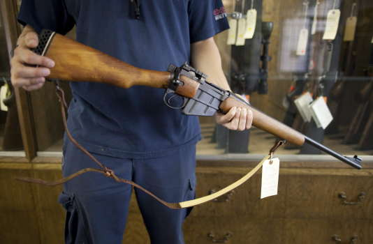 Dans un magasin d'armes de Vancouver, en 2010.