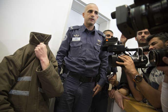 L'employé du consulat de France (dissimulé), lors de sa comparution devant le tribunal de Beer-Sheva (Israël), le 19 mars