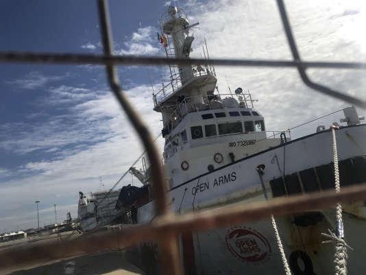 Le navire « Open Arms» de l'ONG Proactivia sous séquestre dans le port sicilien de Polazzo (Sicile), le 19 mars.