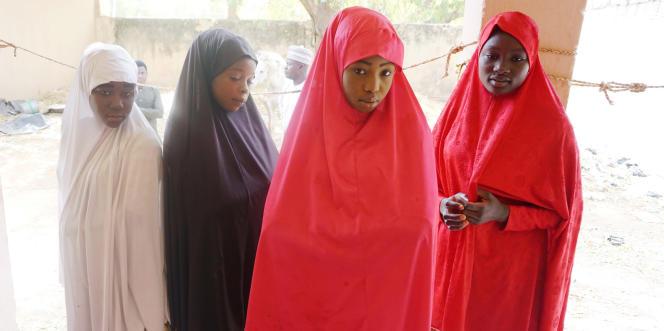 A Dapchi, au Nigeria, des jeunes filles ayant échappé au raid de Boko Haram, le28février2018.