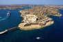 La Valette, située sur une pointe de la côte est de Malte, a été fondéeau milieu du XVIe siècle par un Français.