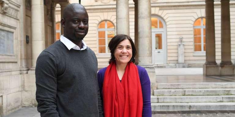 Felwine Sarr et Bénédicte Savoy, le 21 mars 2018, au Collège de France, à Paris.