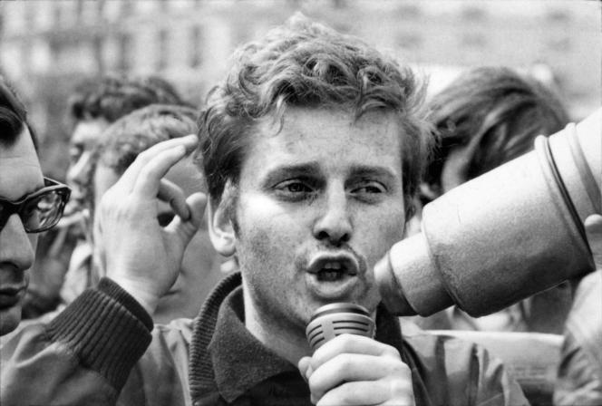 Daniel Cohn-Bendit, lors d'une manifestation, le 13 mai 1968.