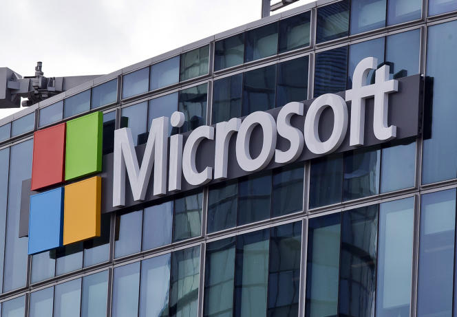 Donald Trump a ratifié une loi donnant un cadre légal à la saisie d'e-mails à l'étranger, sujet qui fait l'objet d'un long bras de fer entre les autorités américaines et Microsoft.