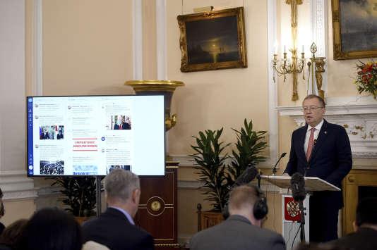 L'ambassadeur russe au Royaume-Uni, Alexandre Iakovenko, lors de sa conférence de presse à Londres, le 22 mars.