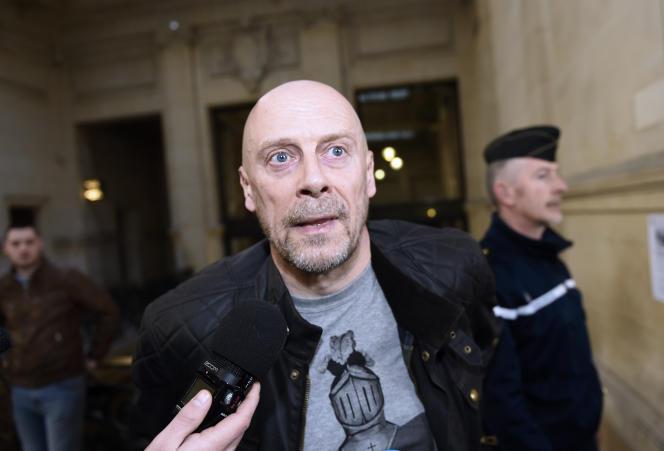 L'écrivain d'extrême droite Alain Soral, lors de son arrivée au palais de justice de Paris, le 12 mars 2015.
