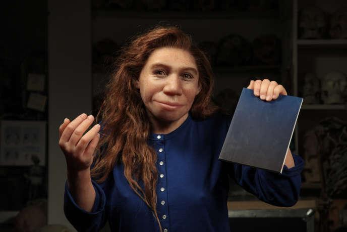 Reconstitution d'une néandertalienne par la paléo-artiste Elisabeth Daynès, au Musée de l'homme, à Paris.