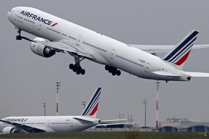 Les trois syndicats de pilotes dénoncent « le refus obstiné » de la direction de « prendre en considération la moindre de [leurs] demandes ».