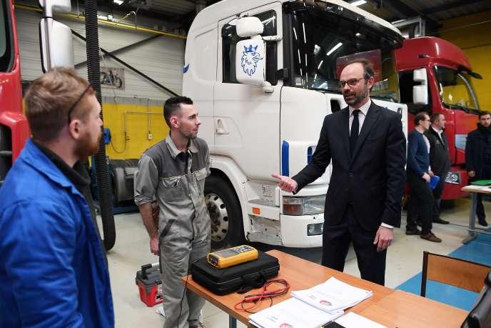 «La transmission des savoirs est primordiale à la survie de l'entreprise» (Le premier ministre Edouard Philippe auCentre de formation d'apprentis de Mulhouse, le 23 mars).