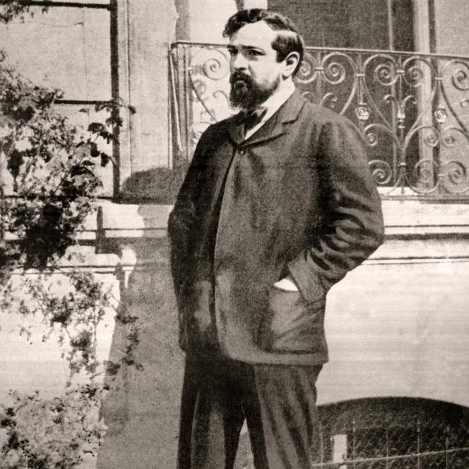 Photo non datée du compositeur français Achille Claude Debussy, dit Claude (1862-1918).