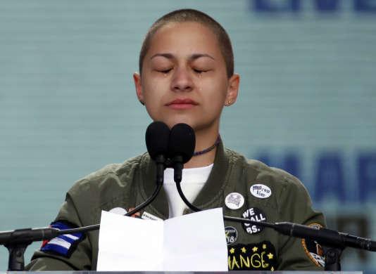 Emma Gonzalez, la lycéenne devenue l'une des efficaces porte-voix des jeunes de Parkland (Floride), lors de la marche de Washington, le 24 mars.