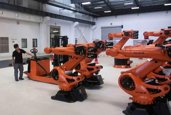 Usine Kuka, à Shanghai, en 2014. Leconstructeur de robots allemand a été racheté par le chinois Midea en 2016.