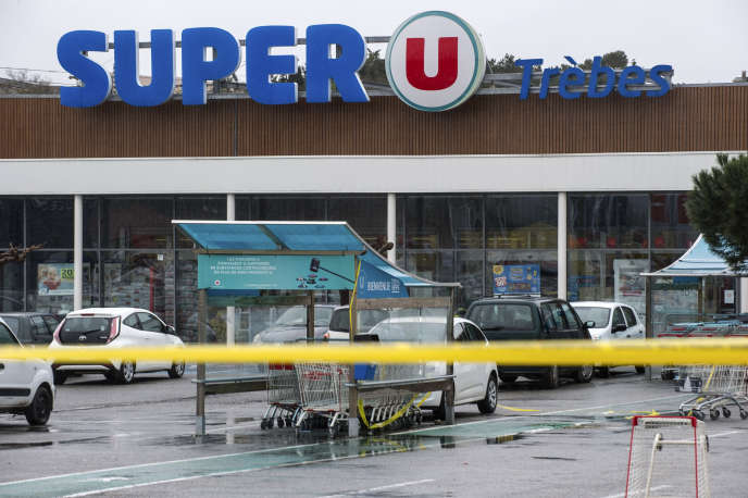 Trèbes dans l'Aude, le 24 mars, le lendemain de l'attentat au supermarché Super U.