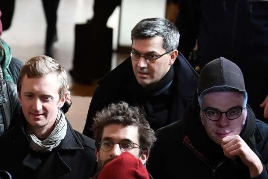 Arrivée de Julien Coupat au Palais de justice de Paris pour le premier jour du procès de Tarnac, le 13 mars.