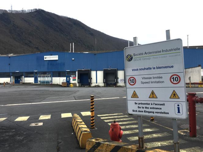 A Revin, sur le parking de l'ancienne usine Electrolux (23 mars 2018).