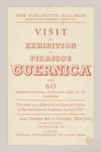 """«Après son exposition au pavillon de la République espagnole en 1937, Picasso envoie sa toile monumentale en Angleterre pour une tournée dans le but de lever des fonds pour les républicains espagnols qui se battent toujours contre les nationalistes. """"Guernica"""" sert alors, presque immédiatement après sa réalisation, d'instrument de propagande et de levier financier.»"""