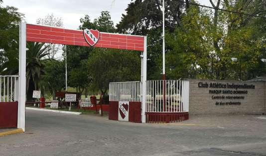 L'entrée du club de footballIndependiente, à Buenos Aires, le 23 mars.