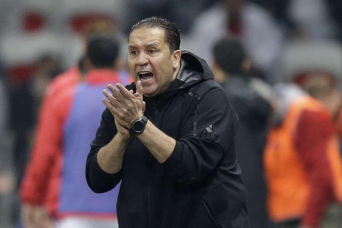 Nabil Maâloul lors du match face au Costa Rica à Nice. Après les deux matchs amicaux de mars, le sélectionneur tunisien a été conforté dans ses fonction par la fédération contrairement à ce qu'annonçait certains médias, qui n'ont pas toujours été tendre avec lui.