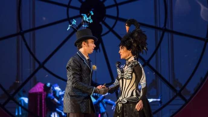 Cyrille Dubois (Horace) etAnne-Catherine Gillet (Angèle) dans«Le Domino noir» à l'Opéra-Comique.