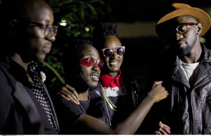 Originaires deNairobi, les membres de Sauti Sol chantent, sur des rythmes pop mêlés de sons traditionnels, des histoires de leur quotidien.
