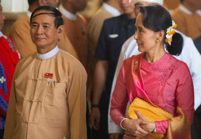 Win Myint avecAung San Suu Kyi, àNaypyidaw, le 28 mars 2018.