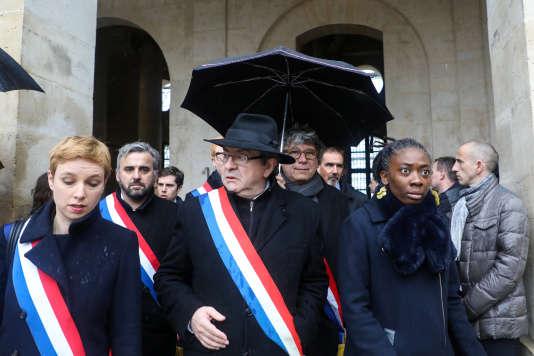 Les députés de La France insoumise Clémentine Autain, Alexis Corbière, Jean-Luc Mélenchon, Eric Coquerel et Danièle Obono, mercredi 28 mars aux Invalides, lors de l'hommage au colonel Beltrame.