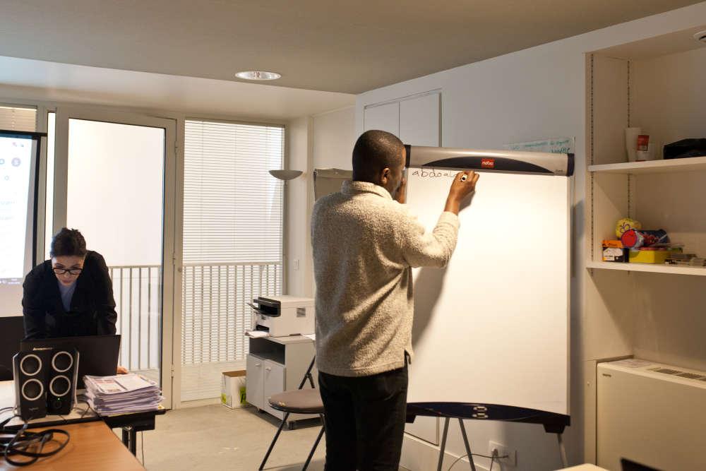 Ali a fait un diaporama sur le Soudan et va l'exposer à la classeen français. L'objectif de cette formation est d'apprendre le français via l'usage des outils de bureautique.