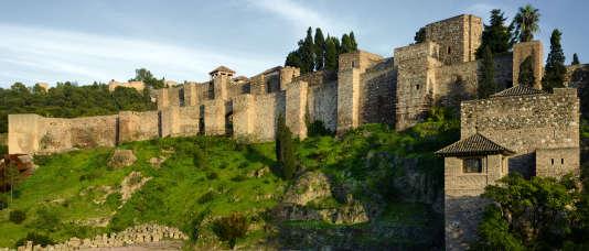 Sur les hauteurs de Malaga, le castillo de Gibralfaro, construit au XIVe siècle pour protéger l'Alcazaba.