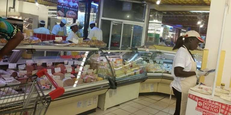 Le supermarché Hayat, à Abidjan.