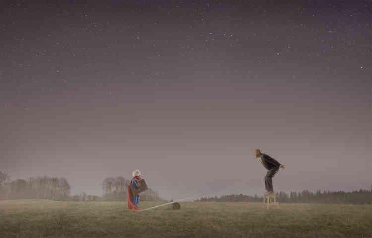 «Prenant racine en Norvège, l'œuvre de Joergensen touche aussi à l'universel, tant la puissance symbolique de cette série évoque le mythe d'Icare et l'éternelle volonté de l'homme à se dépasser.»