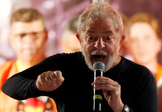 L'ancien président brésilien,Luiz Inacio Lula da Silva, à Curitiba (Brésil), le 28 mars.