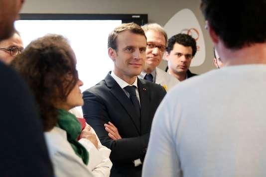 Le président Emmanuel Macron lors d'une visite à l'Institut Curie, à Paris, le 29mars.
