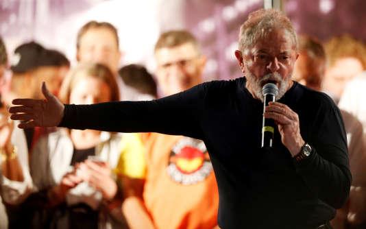 Lula, le 28 mars à Curitiba (Etat du Paraná), dans le sud du Brésil.