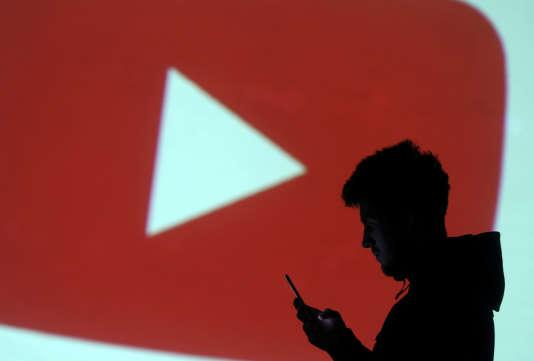 YouTube est accusé de collecter des données sur les enfants à des fins publicitaires.