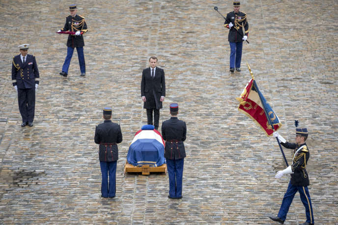 Emmanuel Macron, lors de la cérémonie d'hommage national au Colonel Beltrame, dans la cour de l'Hôtel des Invalides à Paris, le 28 mars.
