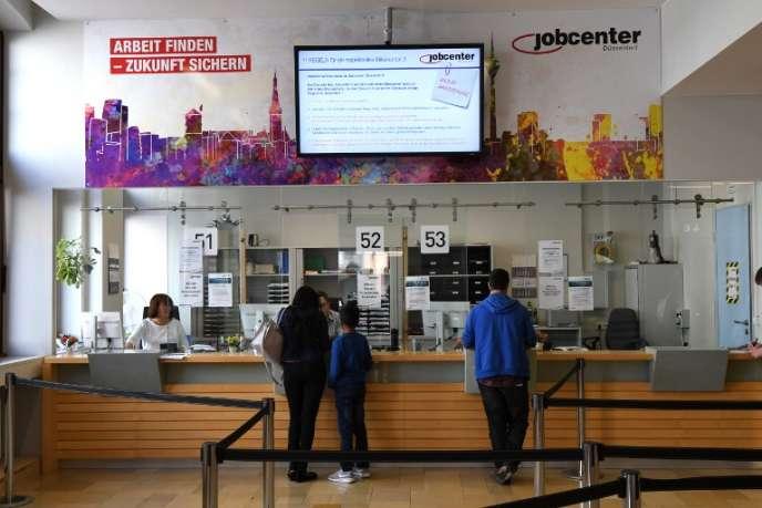 A Düsseldorf en Allemagne dans une agence pour l'emploi.