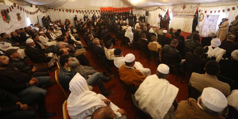 Réunion de réconciliation entre les villes de Misrata et Zentan après quatre années de conflit, à Zentan, au sud-ouest de Tripoli, le 28 mars 2018.