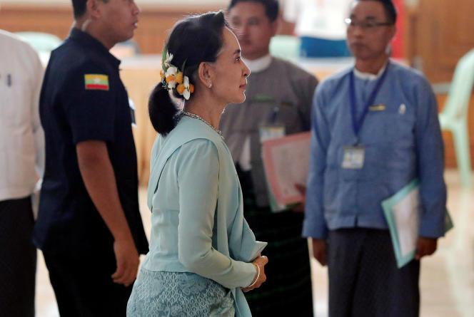 La dirigeante birmane, Aung San Suu Kyi, à Myanmar, le 30 mars.
