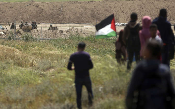 Les palestiniens ont commencé à se rassembler le long de la frontière avec Israel, ici à l'est de Gaza City, le 29 mars.