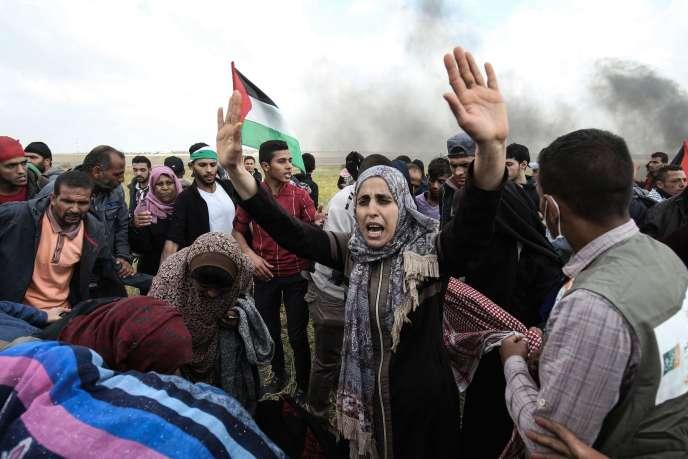 Lors dela« grande marche du retour », près de Khan Younès au sud de la bande de Gaza, le 30 mars.