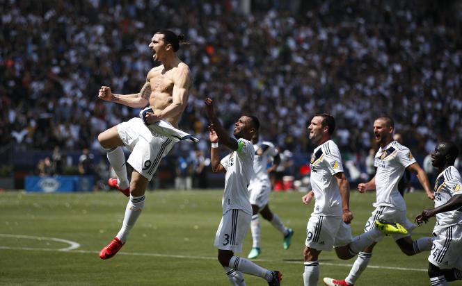 Zlatan Ibrahimovic a frappé fort, samedi 31 mars, pour son premier match avec le LA Galaxy.